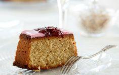 Runebergintorttu Finnish Recipes, Vanilla Cake, Baking, Desserts, Food, Postres, Patisserie, Bakken, Deserts