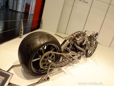 http://de.autoblog.com/photos/essen-motor-show-2013-die-bikes-50-fotos/1635157/