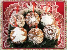 N.M. Galletas Artesanas: Bolas de Navidad 3D y galletas de pan de jengibre