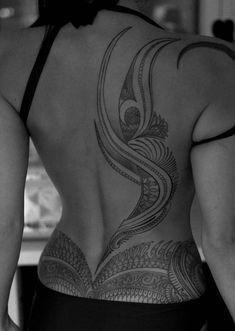 Back tattoo women - maori tattoos Maori Tattoos, Maori Tattoo Frau, Polynesian Tattoos Women, Maori Tattoo Designs, Samoan Tattoo, Filipino Tattoos, Girl Back Tattoos, Back Tattoo Women, Tattoos For Women