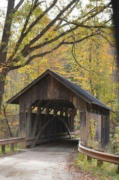 old wooden bridge in Vermont .old wooden bridge in Vermont Country Barns, Old Barns, Country Roads, New Hampshire, Old Bridges, Over The Bridge, Country Scenes, Covered Bridges, Rhode Island