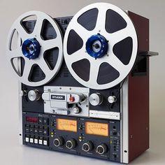 Radios, Music Collage, Vintage Television, Audio Sound, Tape Recorder, High End Audio, Phonograph, Hifi Audio, Vintage Music