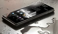 Tips menyelamatkan ponsel yang terendam air
