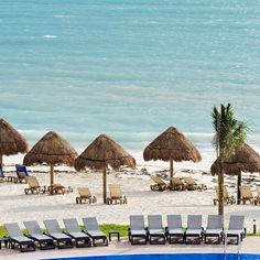 """It's 81 degrees in Riviera Maya today. Just sayin'. #planlesslivemore #winterisachoice"""