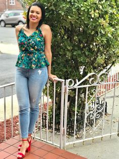 @colormejenny Fashion Nova jeans Nova Jeans, Summer Wear, My Outfit, Lifestyle Blog, Capri Pants, Casual Outfits, How To Wear, Beautiful, Color