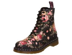 I really want these Doc Martens - They are SO FREAKING ADORABLE! Dude.