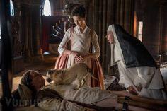 Claire, Bouton, Mother Hildegarde!     19-outlander-dog.nocrop.w529.h375