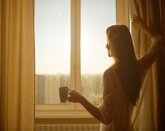 Do you know that most of the successful people in the world get up early every morning? You will discover the benefits of this good habit. Monday Morning Blues, Early Morning, Heal Cavities, Take Five, Getting Up Early, Good Habits, Transform Your Life, How To Wake Up Early, Successful People