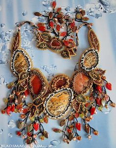 Beads Magic - free beading patterns and everything about handmade jewelry: beads patterns, schemas, photos, ideas, inspiration. Bead Jewellery, Seed Bead Jewelry, Beaded Jewelry, Handmade Jewelry, Seed Beads, Seed Bead Necklace, Beaded Earrings, Beaded Necklaces, Bead Embroidery Jewelry