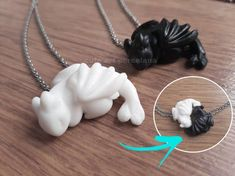How to train your dragon Doble Necklace - toothless dragon and light fury dragon jewelry dragon pendant toothless jewelry black dragon bff Dragon Necklace, Dragon Jewelry, How To Train Dragon, How To Train Your, Cute Polymer Clay, Polymer Clay Crafts, Art Clay, Bijoux Harry Potter, Httyd Dragons