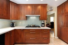 Cherry kitchen cabinets – This gallery includes gorgeous cherry timber cooking areas in modern-day, modern, basic in addition to rustic style designs. Cherry Wood Kitchen Cabinets, Cherry Wood Kitchens, Wooden Cabinets, Wooden Kitchen, Kitchen Cupboards, Kitchen Countertops, Kitchen Decor, Kitchen Ideas, Teal Kitchen