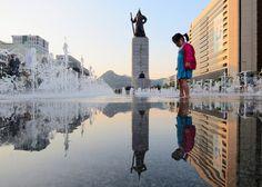 Girl playing in the fountain... (Gwanghwamun, Seoul, Korea) | Flickr - Photo Sharing!