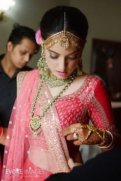 bridal jewellery, kundan, green, polki, matha patti, earrings, contrast jewellery, raspberry pink blouse, three quarter sleeve,