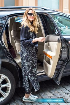 Olivia Palermo was spotted leaving the Crosby Street Hotel in New York City on April 28, 2016.