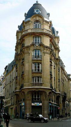 Architecture parisienne.  Un exemple admirable de ce que l'on peut trouver dans la très riche architecture parisienne.