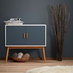 Retro Style Wooden Storage Sideboard/Cabinet Living Room Furniture, With 2 Doors: