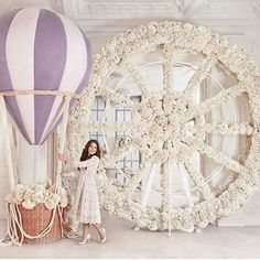 В разговоре с декораторами из #об_лепиха я услышала 6 правил, которые пригодятся невестам и ценителям свадебной красоты. 1. Чем скромнее платье, тем сложнее и многограненнее букет. 2. Единство цветовой палитры во всем. 3. Лезвие ножа, по которому стоит пройтись - это грань между гениальной простотой и роскошью. 4. Никогда не пользоваться открытыми оттенками, только сложные цвета! 5. Не смотрите по сторонам, вдохновляйтесь окружением. 6. Делайте всегда чуть больше, чем ожидают. Правила…