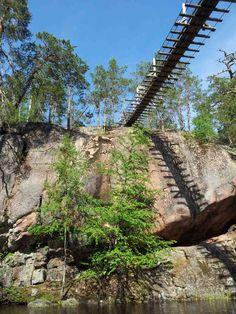 Lapinsalmen riippusilta, Repoveden kansallispuisto | Retkipaikka http://retkipaikka.fi/vapaa/lapinsalmen-riippusilta-repoveden-kansallispuisto/ #repovesi #riippusilta #lapinsalmi