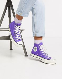 Converse Chuck Hi Purple trainers Purple Converse High Tops, Purple Trainers, Purple Sneakers, High Top Sneakers, Purple Shoes, Converse Vintage, Converse Classic, Converse Chuck, Converse Shoes