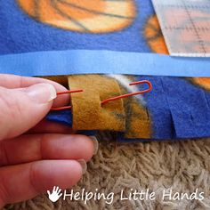 Pieces by Polly: Double Layered No-Sew Braided Fleece Blanket Tutorial 2019 Pi… – 2019 - Blanket Diy Braided Fleece Blanket Tutorial, Fleece Blanket Edging, Fleece Tie Blankets, No Sew Blankets, Fidget Blankets, Crochet Blanket Patterns, Sewing Crafts, Sewing Projects, Fleece Projects