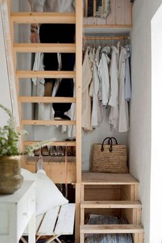 55 Inspiring Loft Stair for Tiny House Ideas Tiny House Movement // Tiny Living // Tiny House Stairs // Tiny Home Kitchen // Tiny Loft, Tiny House Loft, Tiny House Living, Tiny House Design, Tiny Houses, Tiny House Storage, Small Living, Small Apartment Bedrooms, Small Apartments