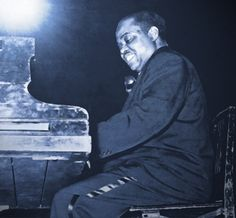 Sammy Price (October 6, 1908 - April 14, 1992) was a blues and jazz pianist born in Honey Grove, Texas.He studied piano in Dallas under Portia Pittman, Booker T. Washington's daughter. Price's career took in to Chicago, Detroit, Kansas City, and New York City, where he was the house pianist for Decca Records in the 1930's and 1940's. #TodayInBlackHistory