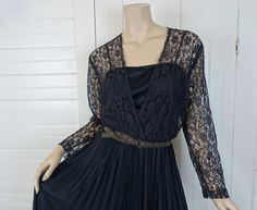 70s Black Disco Witch Dress- 1970s Vintage Lace & Pleats- Gypsy Goth- Medium- Boho Maxi- Stevie Nicks- Halloween