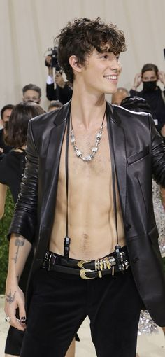 Shawn Mendes, Olympus, Leather Men, Instagram
