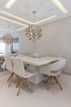 Sala de jantar com papel de parede para sala cinza com textura Projeto de Cassia Giacomazzi