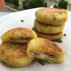 Potato Recipes, Vegetable Recipes, Side Dishes, Food And Drink, Potatoes, Chicken, Dinner, Vegetables, Cooking
