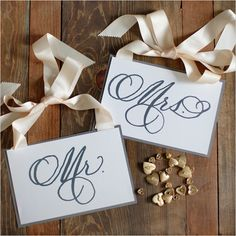 Customizable Mr and Mrs labels