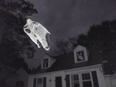 We all know and love FCGs (Flying Crank Ghosts) but, Axworthy Ghosts are pretty awesome, too. Don't forget about them! (This display is more 'kid-friendly' than ours; but even so, the Axworthy Ghosts in the video are impressive!)
