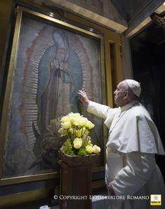 Saludando a la Madre. Una de las fotos más hermosas de Su Santidad.  https://www.facebook.com/news.va.es/photos/a.1186657538011949.1073742231.261761113834934/1186658601345176/?type=3&theater