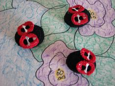 "Take 2 pop tabs to make each lady bug. They are 1-3/4"" long and a free pattern."