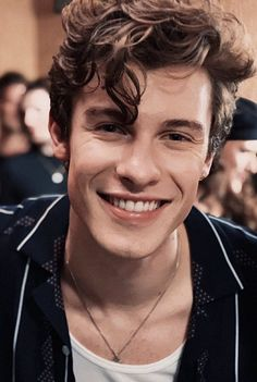 Shawn Mendes Pics on – The way he's looking at her! Camila Cabello Camila Cabello on live stage at Jingle Bash 2019 Camila Cabello Fatimahxmendes All I need is you…. Shawn Mendes Lindo, Shawn Mendes Cute, Shawn Mendes Imagines, Shawn Mendes Smiling, Shawn Mendes Family, Shawn Mendes Girlfriend, Shawn Mendes Hair, Beautiful Boys, Pretty Boys