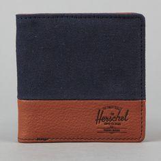 Tidy little wallet form Herschel