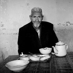 Ostangboyi tea  House, Kashgar Xinjiang China  http://itunes.com/apps/lafforgueHD