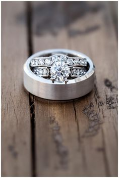 Wedding rings  Photo by: black box photography  belle ombre photography