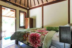 Ganhe uma noite no Mulia Home Stay, rumah kayu Bali - Casas para Alugar em Denpasar: rumah kayu no Airbnb!