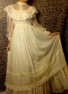 SALE Cream Gunne Sax Wedding Dress with by Enchantedfuture Lolita Fashion, Retro Fashion, Vintage Fashion, Pretty Dresses, Beautiful Dresses, 19th Century Fashion, Edwardian Fashion, Antique Lace, Visual Kei