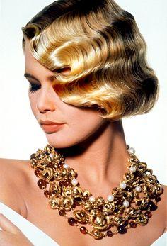 Chanel | Claudia Schiffer 1990