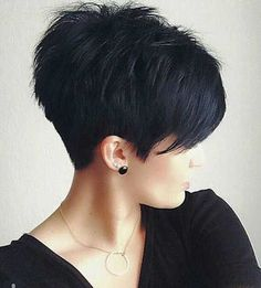 Hottest Pixie Haircuts 2019 - Classic to Edgy Pixie Hairstyles for women Short Pixie HaircutShort Pixie Haircut Cute Hairstyles For Short Hair, Curly Hair Styles, Short Haircuts, Hairstyles 2016, Popular Haircuts, Sassy Haircuts, Short Textured Haircuts, Edgy Pixie Hairstyles, Textured Hairstyles