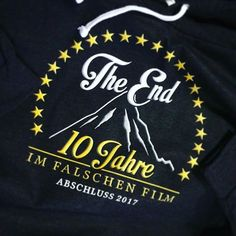 Abi- & Abschlussshirts gratis Katalog unter www.shirts-n-druck.de #10jahreimfalschenfilm #abschlussmotto #abschlussshirts #abschlussfahrt #abschlusspulli #shirtsndruck