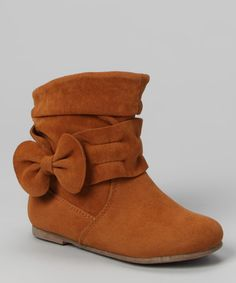 http://www.zulily.com/invite/vhanson979 Take a look at this Tan Post Bow Boot by Lucky Top on #zulily today!