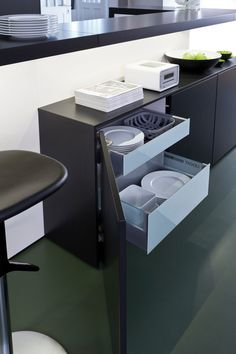 CLASSIC-FS | IOS-M › Lacquer | LEICHT – Modern kitchen design for contemporary living.
