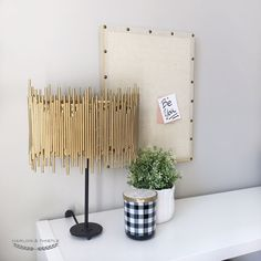 DIY Gold Lamp Shade - DIY Gold Chandelier - Anthropologie Hack home diy cheap Harlow & Thistle - Home Design - Lifestyle - DIY: DIY Gold Light - Anthropologie Hack Gold Diy, Handmade Home Decor, Diy Home Decor, Gold Lamp Shades, Cheap Lamps, Diy Lamps, Knock Off Decor, Lampe Decoration, Homemade Home Decor