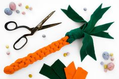 For a little interactive Easter fun (burn off those treats!), why not create your own DIY Easter carrot dog tug toy? Carrot Dogs, Diy Dog Toys, Easter Colors, Diy Stuffed Animals, Dog Supplies, Dog Friends, Dog Treats, Pet Birds, Decoration