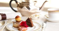 O chá da tarde no Espeletti, do Hotel The Connaught em Londres, Inglaterra, Reino Unido.  Fotografia: www.the-connaught.co.uk