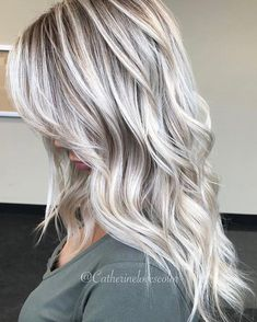 Whether you're currently wearing short or long blonde haircuts you can wear these beautiful ice cream blonde hair colors and hairstyles in Look in this post how beautiful this color is. This is one of the hair colors which really complete the beauty Cream Blonde Hair, Icy Blonde, Ice Blonde Highlights, Cool Toned Blonde Hair, Blonde Hair With Color, Blonde Fall Hair Color, Grey Ash Blonde, Ash Blonde Ombre Hair, Cool Ash Blonde