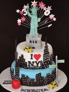 My Soon To Be 30 Bday Cake New York Fondant Cakes Cupcake